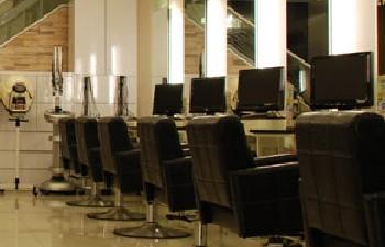 日涵 FA Hair Salon 新興店