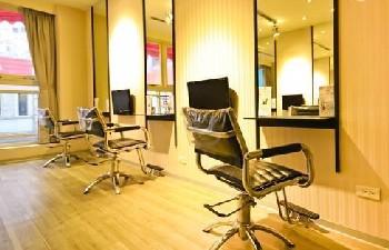 李奇髮廊 西寧店