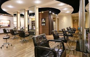 WHY Hair Salon 三館